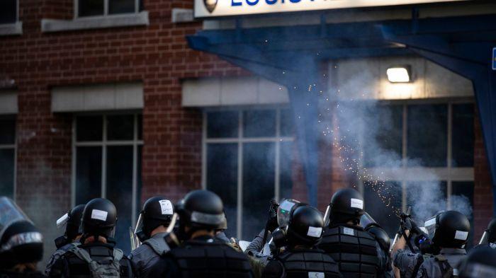 LOUISVILLE POLICE CHIEFFIRED