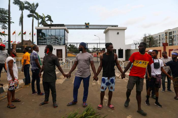 SOLDIERS OPEN FIRE ON NIGERIAN ANTI-POLICE BRUTALITY PROTESTERS INLAGOS