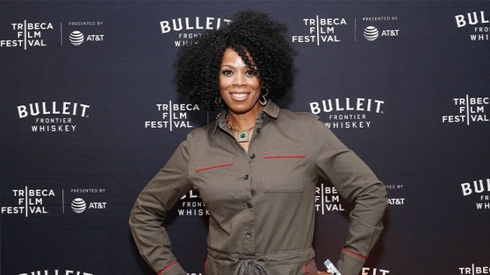KIM WAYANS REVIVES MISS BENITA