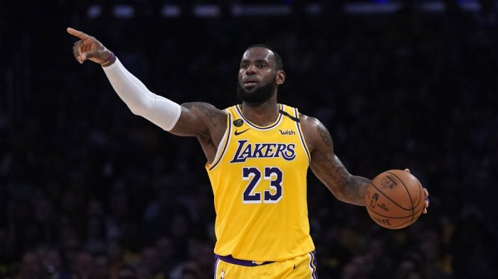 LEBRON JAMES WINS AP MALE ATHLETE OF YEAR